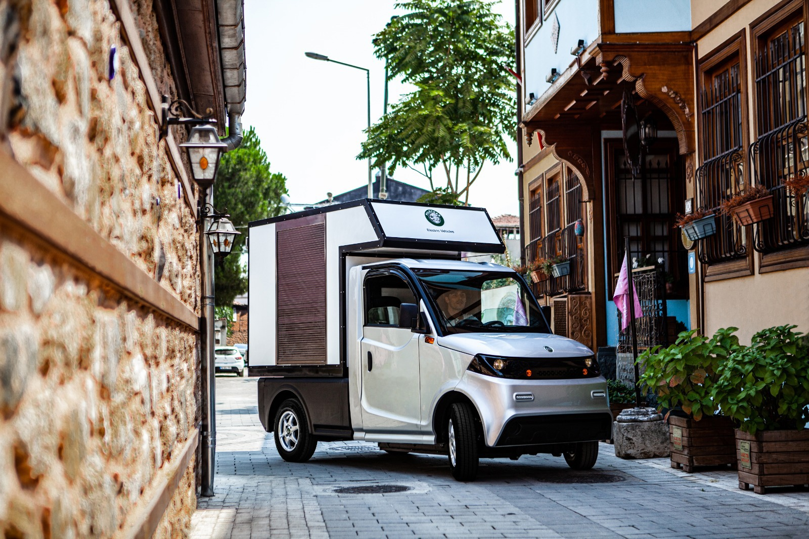Electric Pickup - P-1000 Kargo