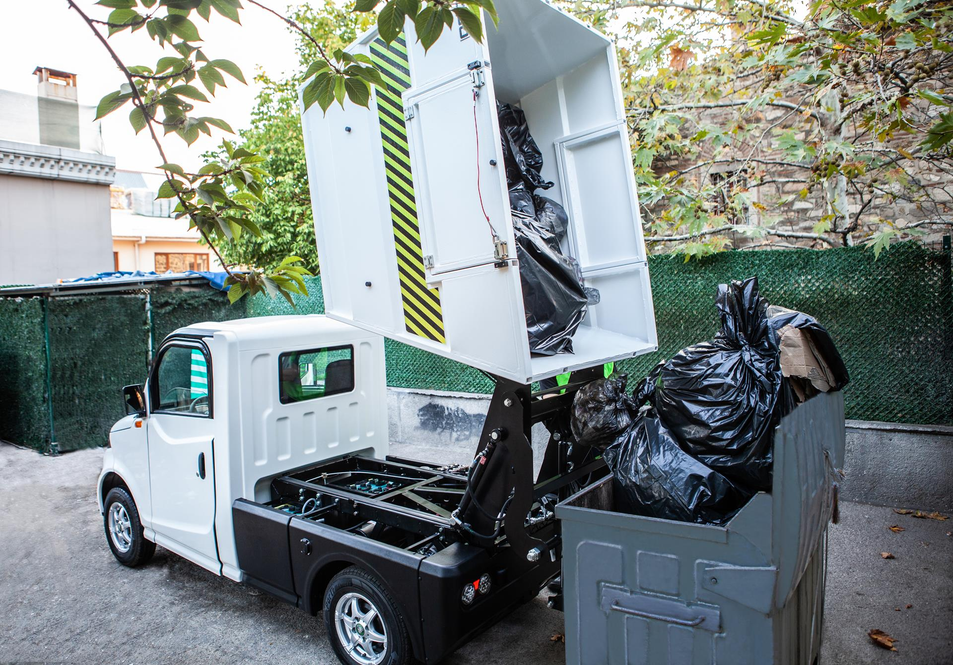 P-1000 Waste Tipper